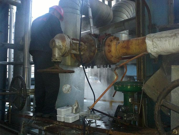 烯烃厂阀门阀体泄漏,DN250PN3.6MPa,温度190℃,采用整体包盒实施堵漏成功。