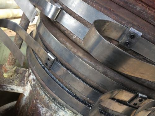 华润燃汽管线泄漏,DN600PN0.8,温度:常温,采取钢带紧固法实施工堵漏成功。